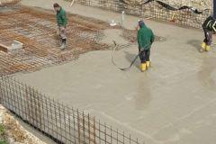 Mayr_Bauunternehmung_Bodenplatte_Betoneinbringung